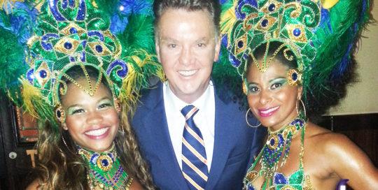 RTL Late night Louis van Gaal met samba danseressen