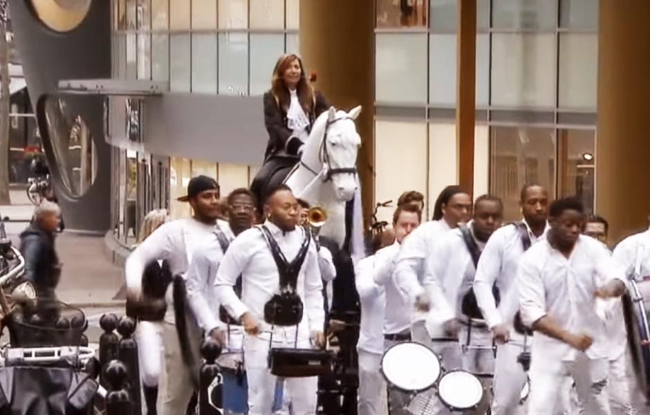 Caribische Brassband Fidelinas bij het tv programma Janzen & van Dijk