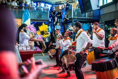 Caribische brassband Amsterdam bij perfect serve barshow
