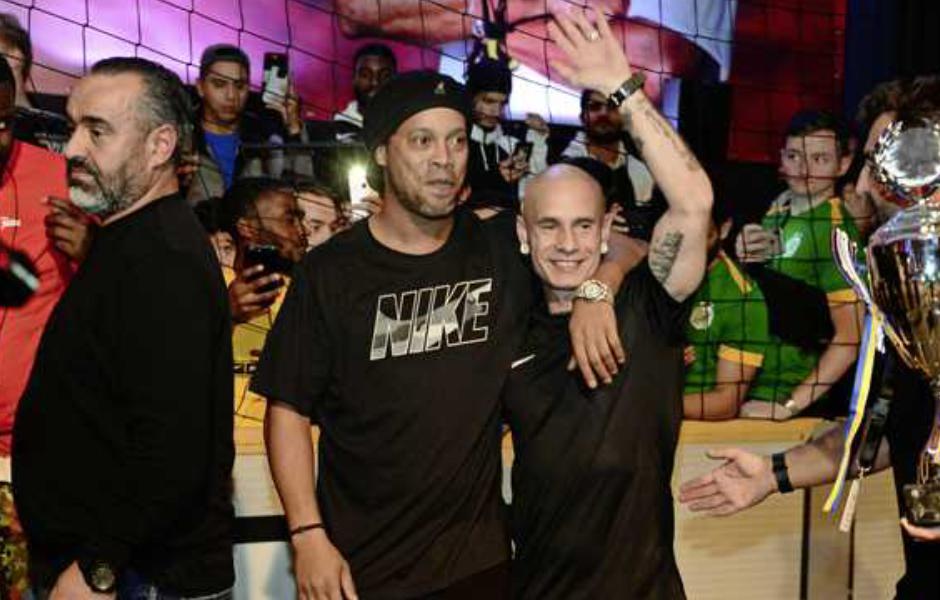 Fidelinas met Ronaldiho Global streetteam