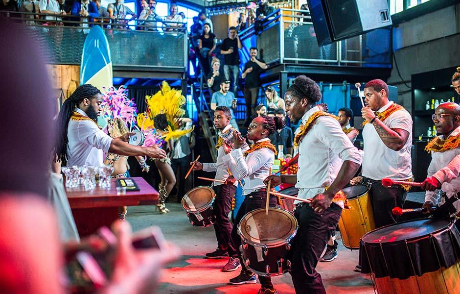 Caribische brassband huren